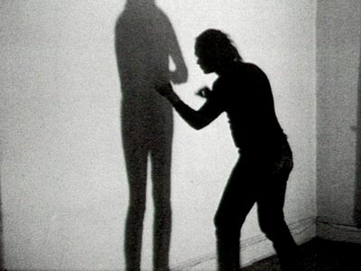 Vito Acconci - SHADOW PLAY, 1970 - Fra THREE RELATIONSHIP STUDIES, 1970 - Electronic Arts Intermix (EAI), New York