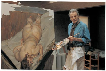 Lucian Freud i sit atelier med værket Night Portrait, Facing Down, 2000, Foto: ©Bruce Bernard