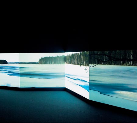 Eija-Lisa Ahtila. Installationsfoto. The Hour of Prayer 2005, Foto: Crystaleye