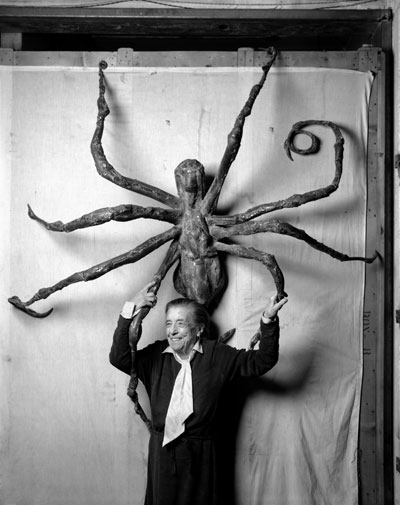 Louise Bourgeois med Spider IV, 1996
